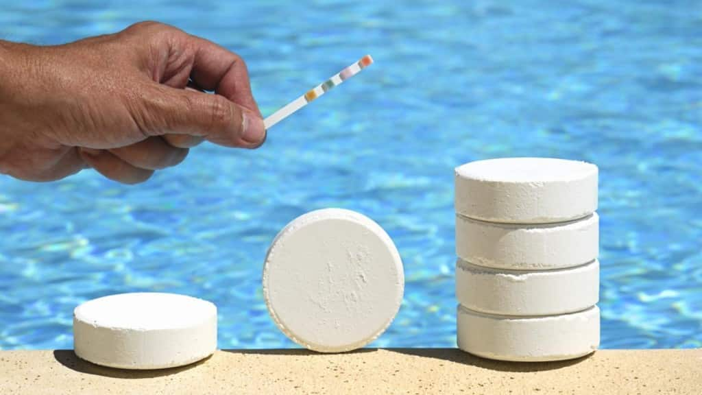 Water disinfection aqua operators - Swimming pool chlorine concentration ...